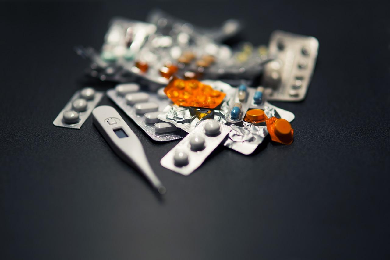 Medicamente la grămadă