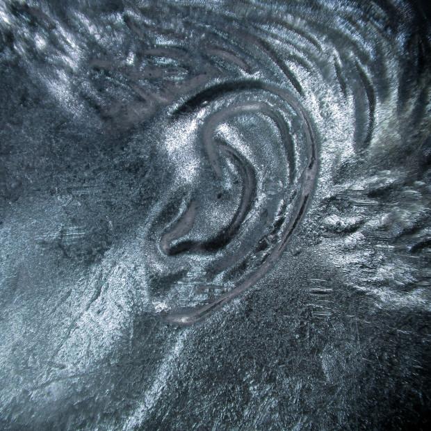 Ureche scluptată