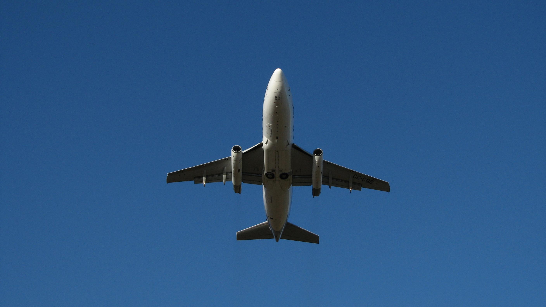 Avion-în-zbor
